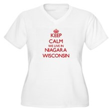 Keep calm we live in Niagara Wis Plus Size T-Shirt