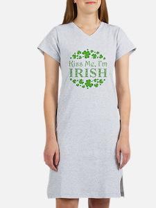 KISS ME, I'M IRISH Women's Nightshirt