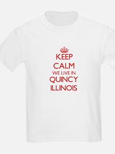 Keep calm we live in Qu T-Shirt