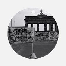 Berlin Wall - Iconic! Ornament (Round)