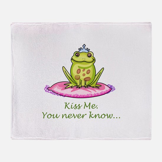 KISS ME Throw Blanket