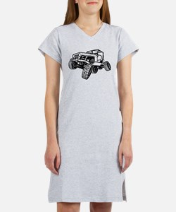 rock-crawling-jeep-outlined-only Women's Nightshir