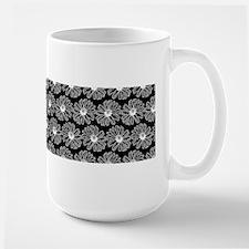 Black and White Gerbara Daisy Pattern Mug