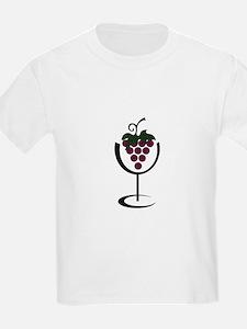WINE GLASS GRAPES T-Shirt