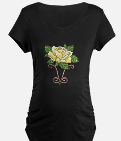 YELLOW ROSE OF TEXAS Maternity T-Shirt