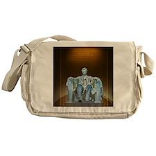 Lincoln statue Messenger Bag