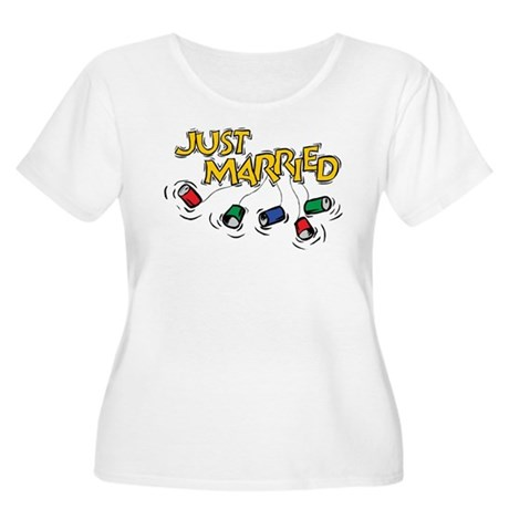 Just Married Women's Plus Size Scoop Neck T-Shirt