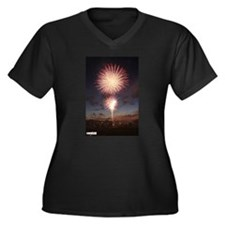 July 4 Fireworks  Women's Plus Size V-Neck Dark T-