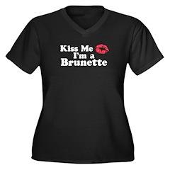 Kiss me I'm a brunette Women's Plus Size V-Neck Da