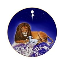 'Peace on Earth' ~ Lion & Lamb Ornament (Round)
