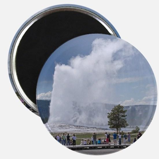 Yellowstone Faithful Magnet