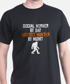 Social Worker By Day Bigfoot Hunter By Night T-Shi