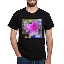 Beautiful pink garden flowers with rain dr T-Shirt