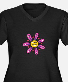 SMILING FLOWER Plus Size T-Shirt