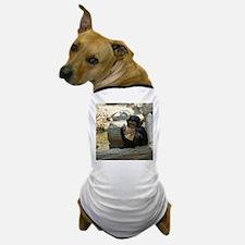 Chimpanzee_2015_0101 Dog T-Shirt