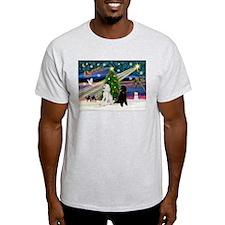 XmasMagic/2 Poodles (P2) T-Shirt