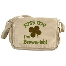 St. Patrick's Day - Kiss Me I'm Brow Messenger Bag