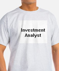 Investment Analyst Retro Digital Job Desig T-Shirt