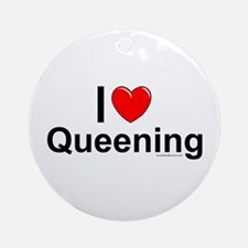 Queening Ornament (Round)