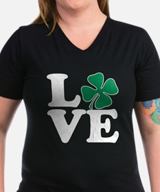 Love St Pattys (vintage distressed look) T-Shirt