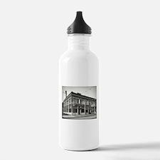 Detroit circa 1912. Di Water Bottle