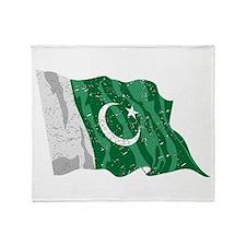 Pakistan Flag (Distressed) Throw Blanket