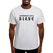 Schrodinger's cat is dead / alive. T-Shirt