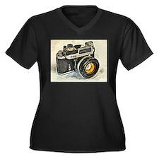 Vintage SLR camera with selenium Plus Size T-Shirt