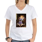 Queen-Sir Pug (17) Women's V-Neck T-Shirt