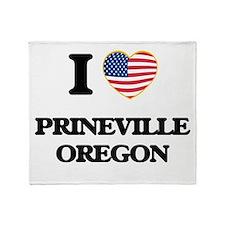 I love Prineville Oregon Throw Blanket