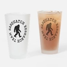 Sasquatch Research Team (Distressed) Drinking Glas