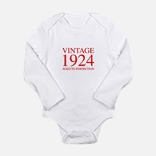 VINTAGE 1924 aged to perfection-red 300 Body Suit