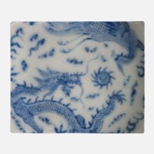 blue and white chinoiserie delft vin Throw Blanket