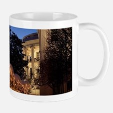 White House Christmas Lawn Decorations Mugs