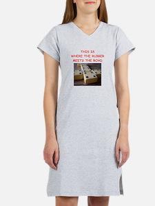 dominoes joke Women's Nightshirt