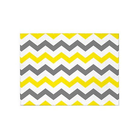 Yellow and Gray Chevron Pattern 5u0027x7u0027Area Rug