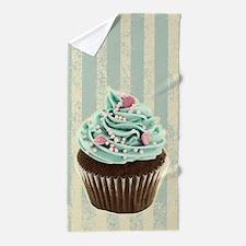 retro pattern cute cupcake Beach Towel