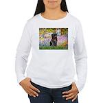 Garden / Black Pug Women's Long Sleeve T-Shirt