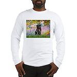 Garden / Black Pug Long Sleeve T-Shirt