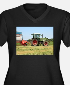 Tractor at work on El Camino, Sp Plus Size T-Shirt