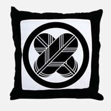 Intersecting hawk feathers in circle Throw Pillow