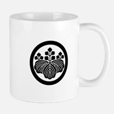 Paulownia with 5&3 blooms in circle Mug