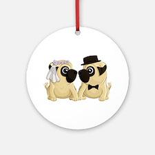 Wedding Pugs Ornament (Round)