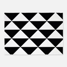 Sharp Black and White Triangles 5'x7'Area Rug
