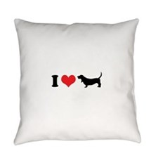 I Heart Basset Hounds Everyday Pillow