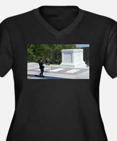 Tomb of Unknown Soldier Plus Size T-Shirt