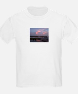 Bay sunset 2 T-Shirt