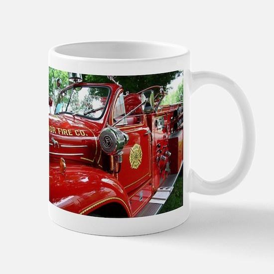 red fire engine 1 Mugs