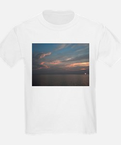 Delaware beach sunrise T-Shirt
