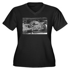 Old train black and white Plus Size T-Shirt